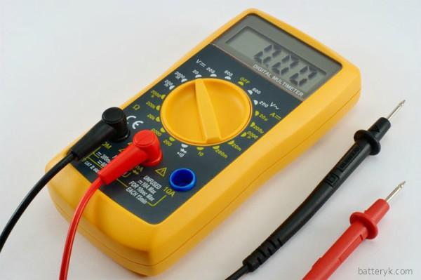 Мультиметр для проверки аккумулятора
