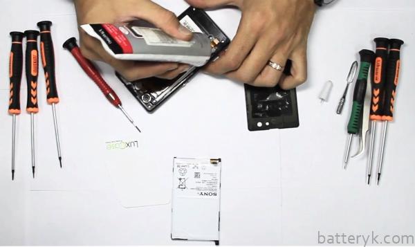 Замена АКБ смартфона