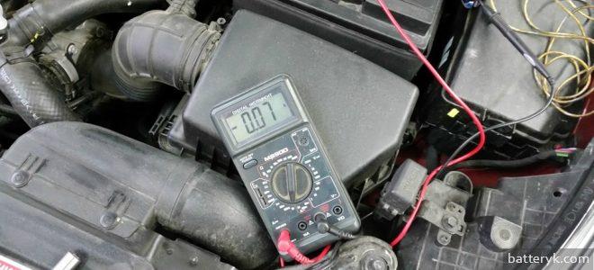 быстро садится аккумулятор в машине renault symbol