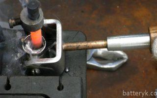 Миниатюра к статье Как проводится восстановление клеммы аккумулятора автомобиля своими руками?