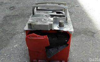 Миниатюра к статье Может ли взорваться автомобильный аккумулятор и почему?